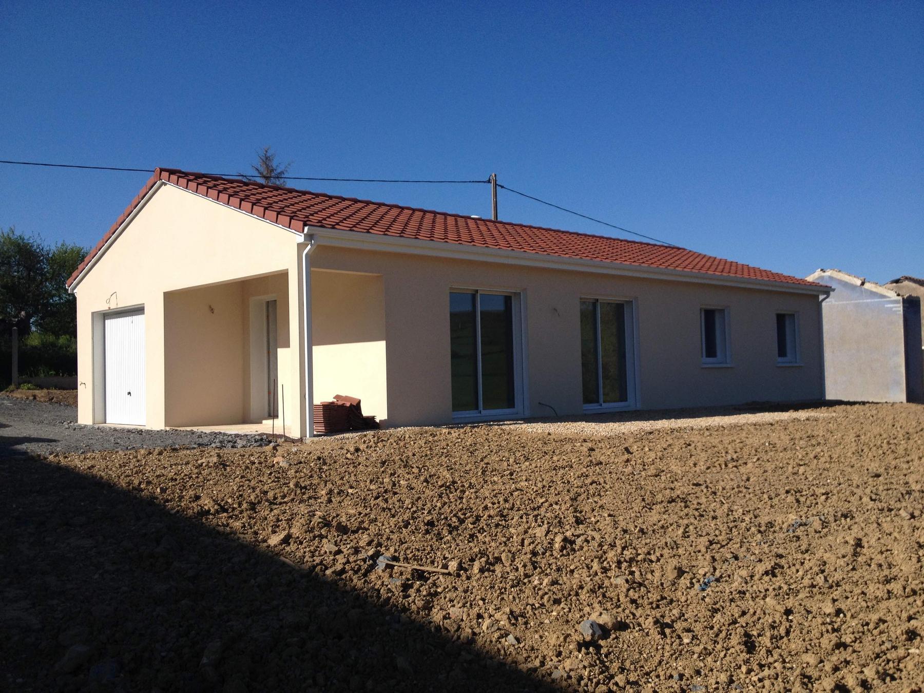 Matour vers cluny et macon maison 3 chambres construire for Constructeur de maison individuelle pas cher