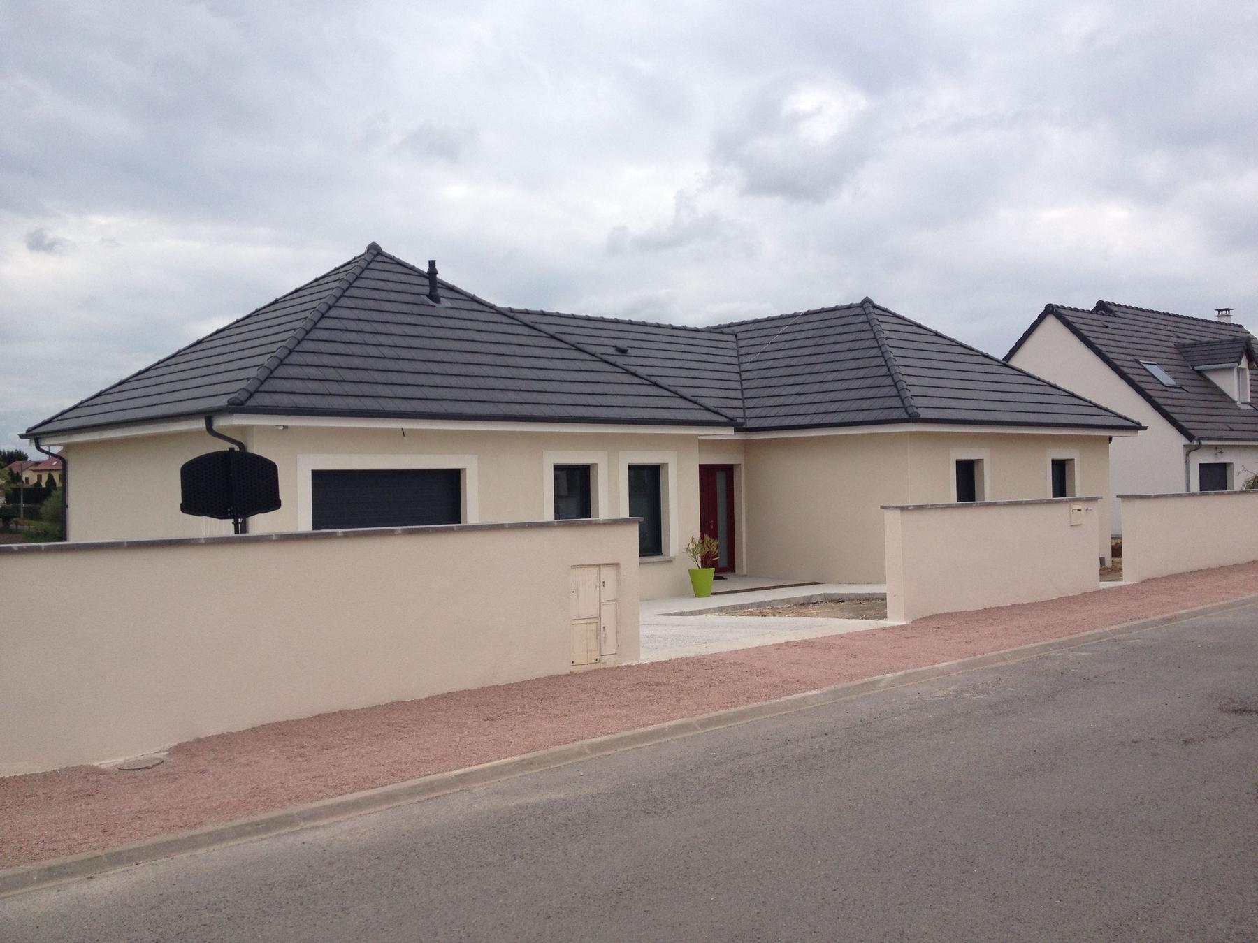 Maison 3 chambres dompierre sur besbre 03 construire for Prix construction maison 3 chambres