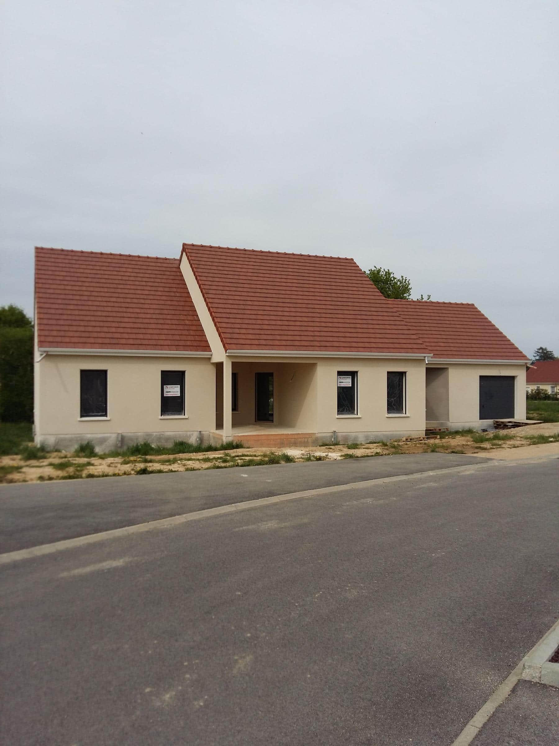 maison 3 chambres bureau louhans 71 construire sa maison pas cher constructeur low cost. Black Bedroom Furniture Sets. Home Design Ideas