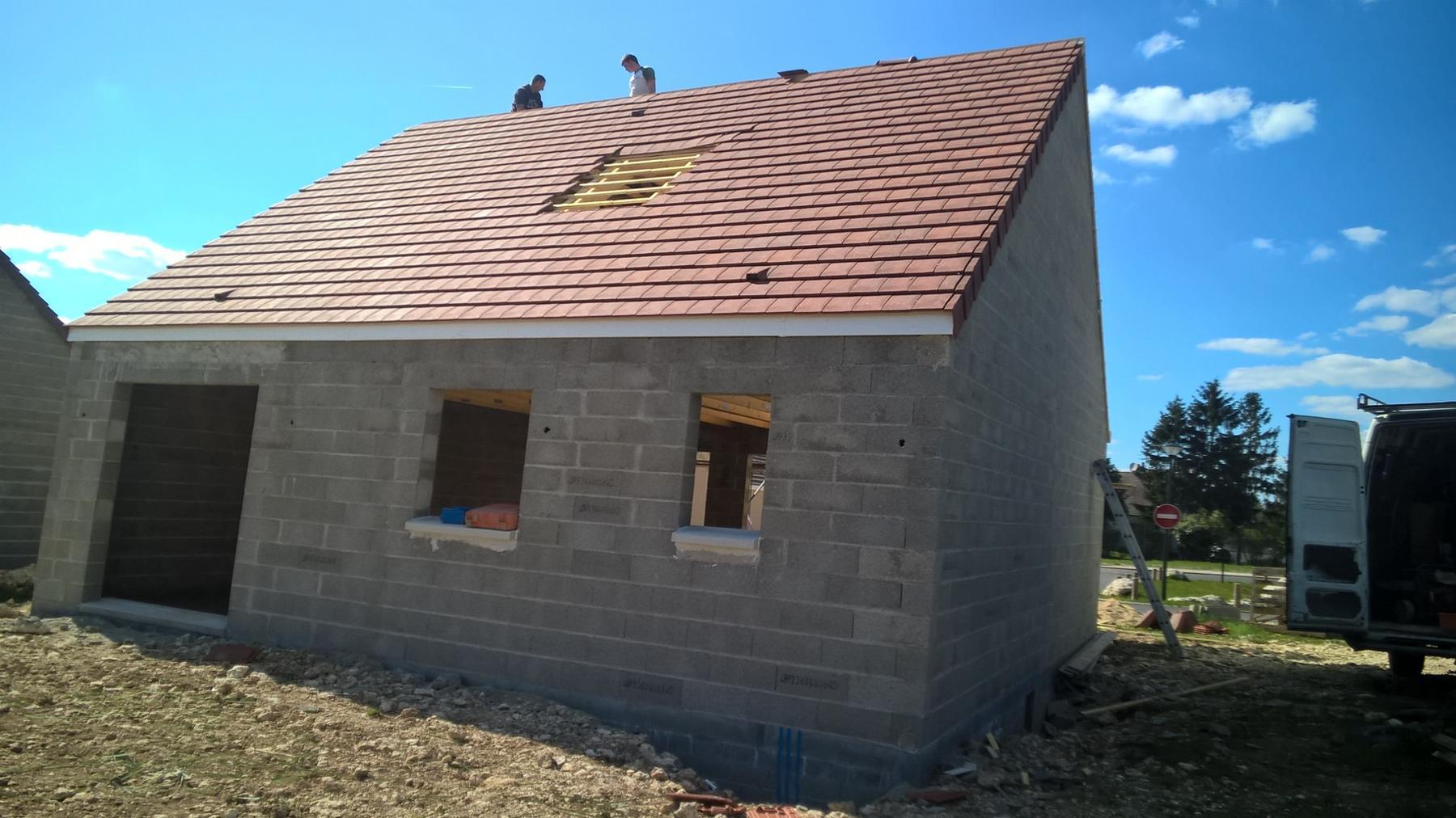 chantier en cours sur averdon construire sa maison pas cher constructeur low cost de qualit. Black Bedroom Furniture Sets. Home Design Ideas